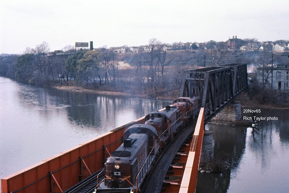 Lehigh Valley ALCO RS3 216 at Bethlehem, PA - ARHS Digital Archive