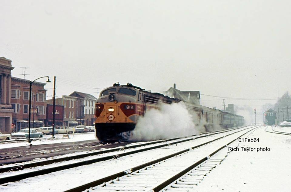 Erie Lackawanna EMD E8A 819 at East Stroudsburg, PA - ARHS Digital Archive