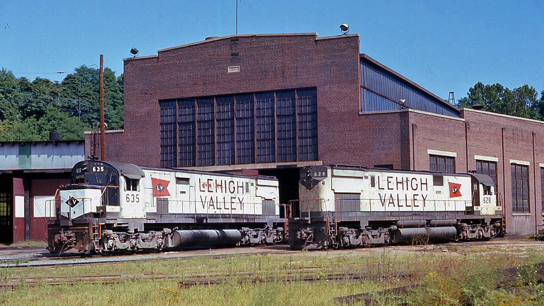 Lehigh Valley ALCO C628 635 at Bethlehem, PA - ARHS Digital Archive