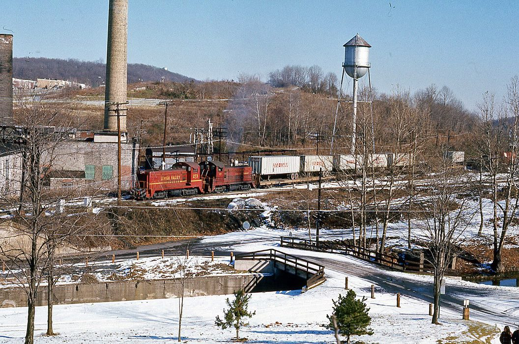 Lehigh Valley EMD SW8 273 at Allentown, PA - ARHS Digital Archive