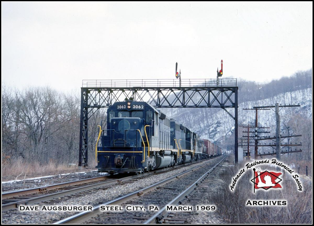 Central Railroad of New Jersey EMD SD40 3062 at Bethlehem, PA - ARHS Digital Archive
