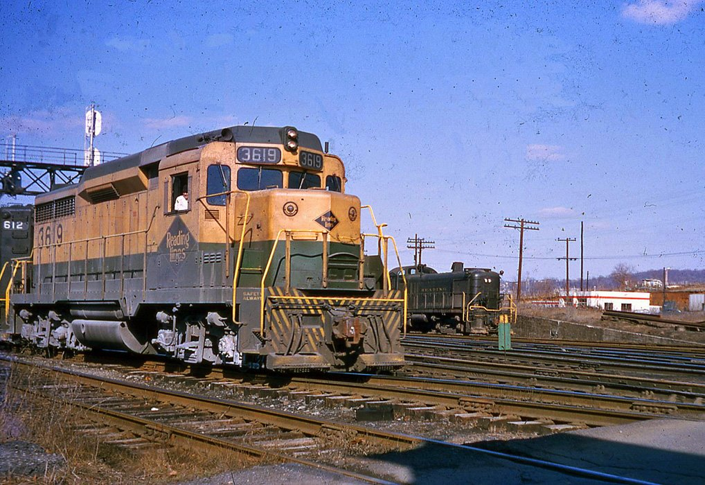 Reading EMD GP18 3619 at Allentown, PA - ARHS Digital Archive