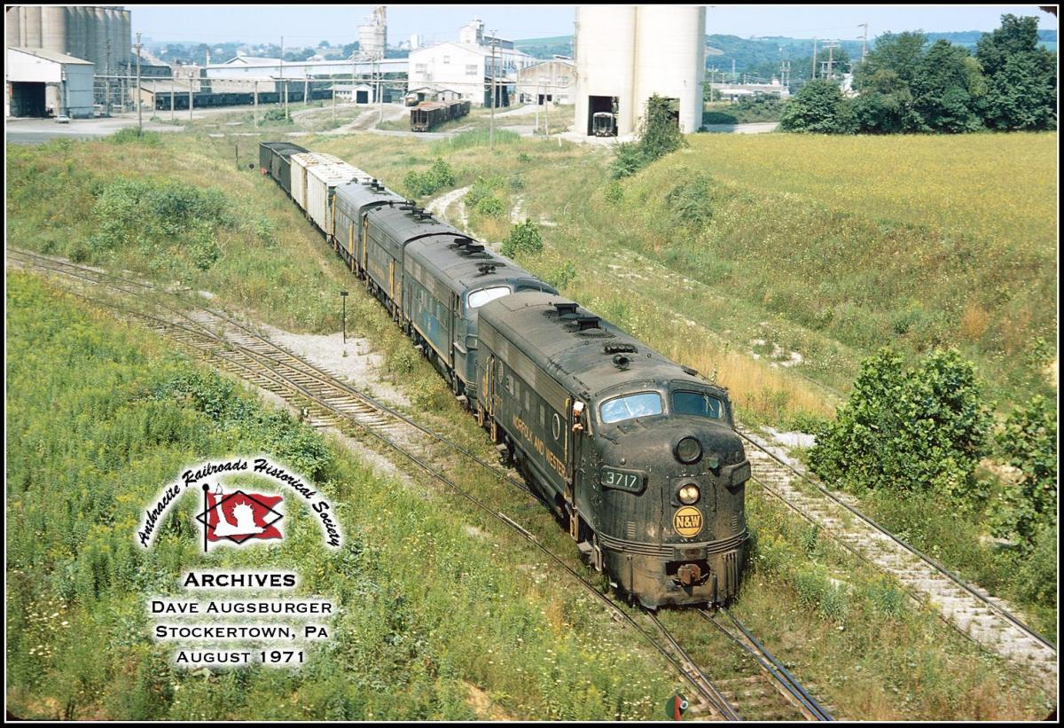 Norfolk and Western EMD F7A 3717 at Stockertown, PA - ARHS Digital Archive