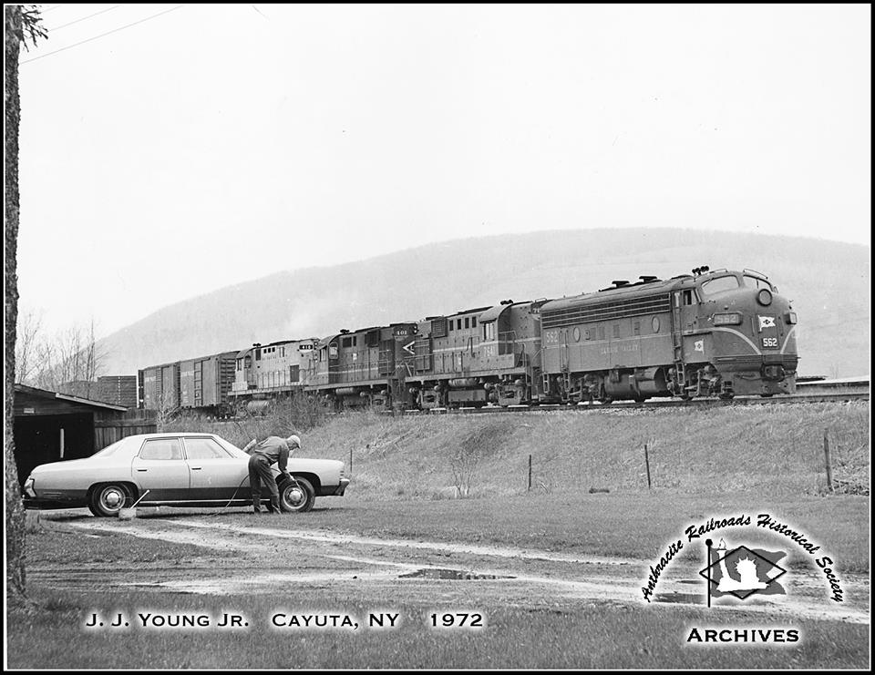 Lehigh Valley EMD F7A 562 at Cayuta, NY - ARHS Digital Archive