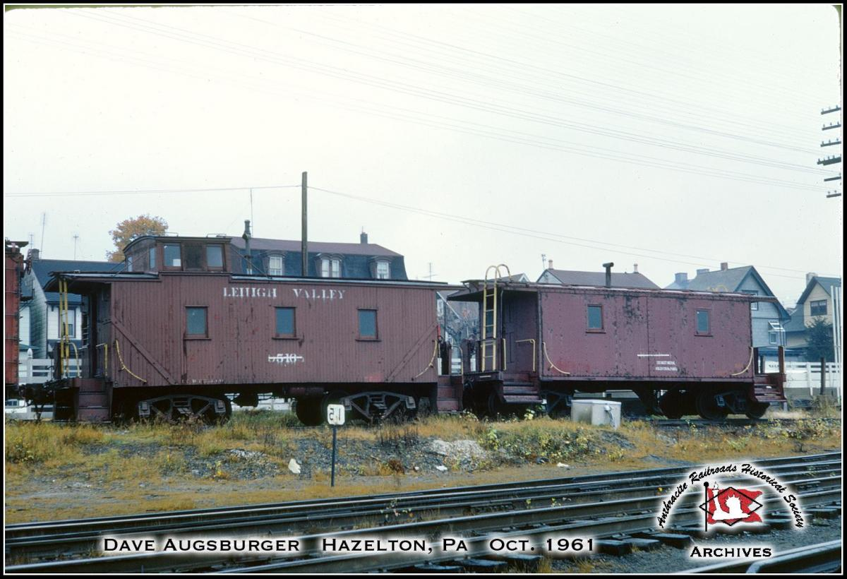 Lehigh Valley Caboose 95165 at Hazleton, PA - ARHS Digital Archive