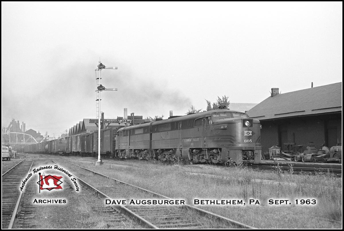 Lehigh Valley ALCO PA1 605 at Bethlehem, PA - ARHS Digital Archive