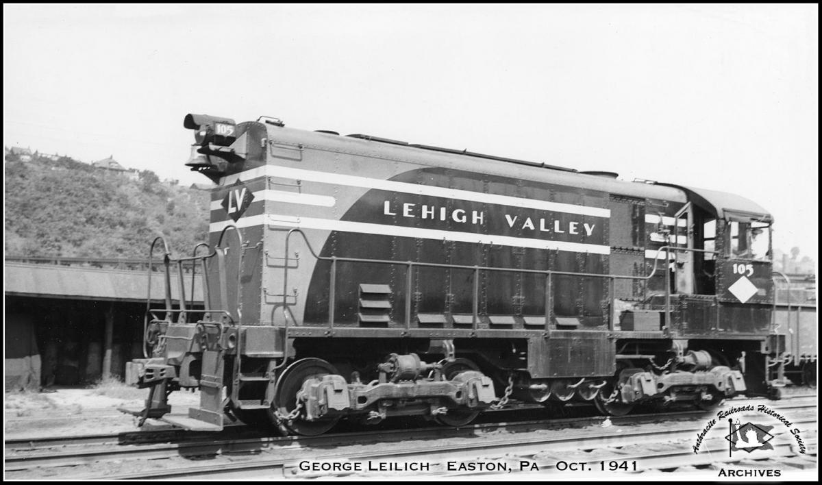 Lehigh Valley ALCO HH600 105 at Easton, PA - ARHS Digital Archive