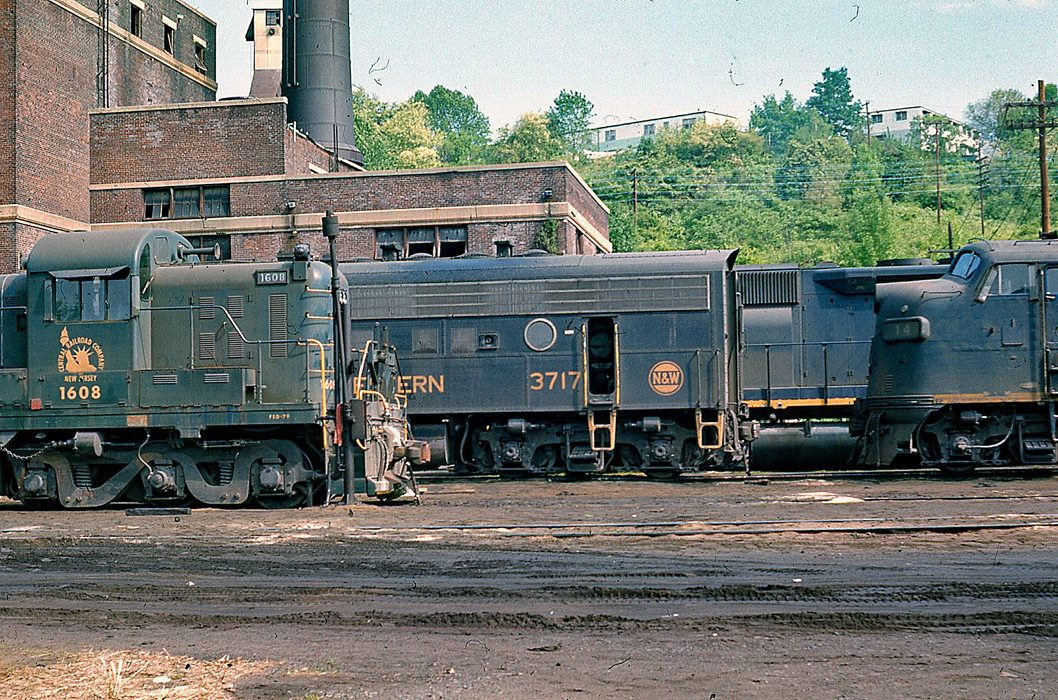 Central Railroad of New Jersey ALCO RSD-4 1608 at Bethlehem, PA - ARHS Digital Archive