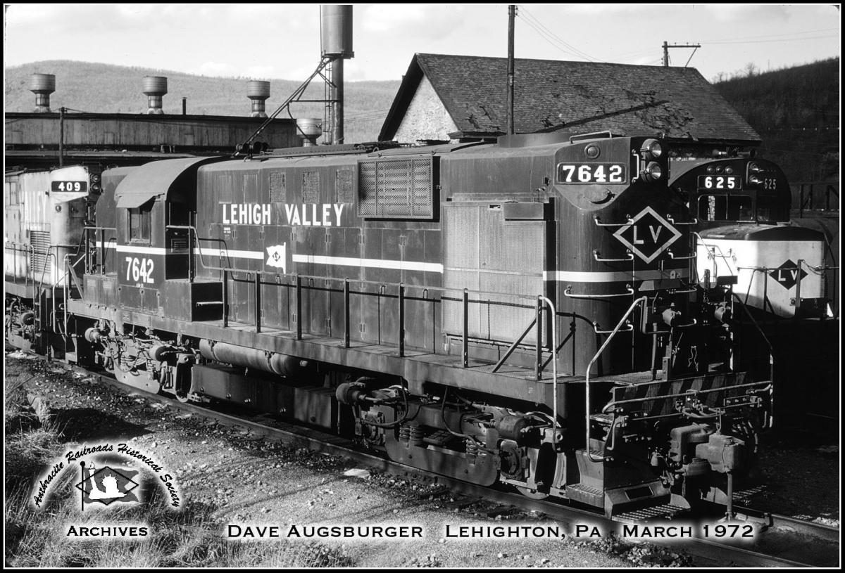 Lehigh Valley ALCO RS11 7642 at Lehighton, PA - ARHS Digital Archive