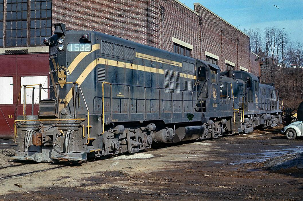 Central Railroad of New Jersey EMD GP9 1532 at Bethlehem, PA - ARHS Digital Archive