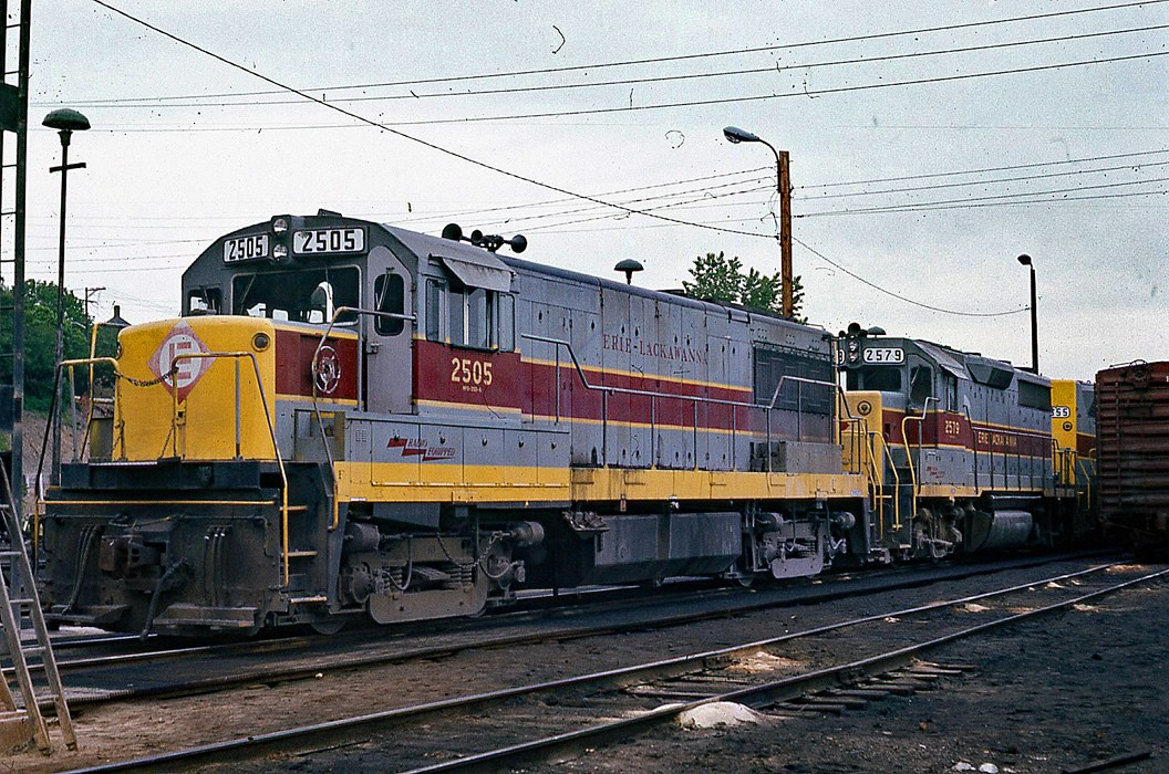 Erie Lackawanna GE U25B 2505 at Port Jervis, NY - ARHS Digital Archive