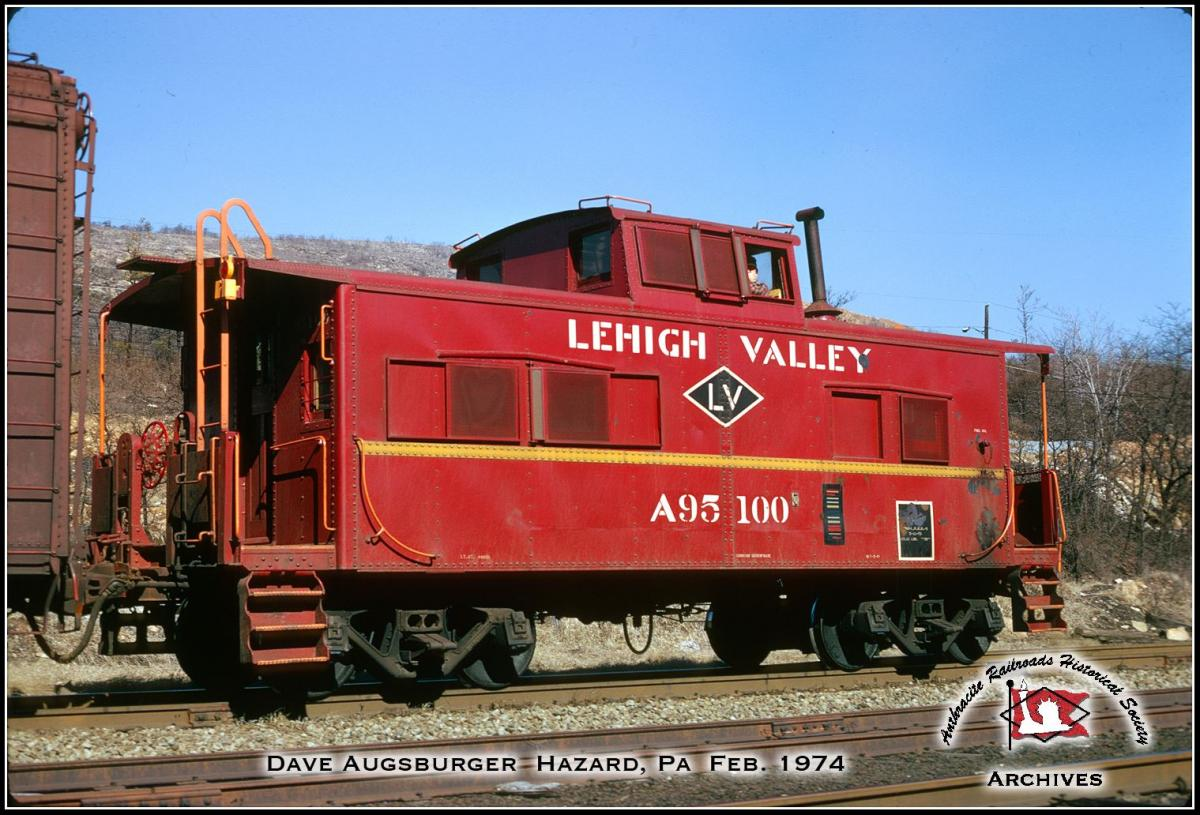 Lehigh Valley Caboose 95100 at Palmerton, PA - ARHS Digital Archive