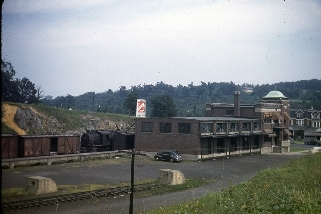 Lehigh and New England BLW E-12 153 at Allentown, PA - ARHS Digital Archive